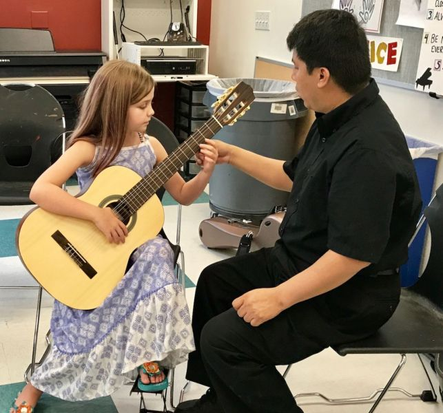 Youth-guitar-class-2